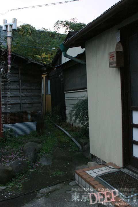 http://tokyodeep.info/img/94-135.jpg