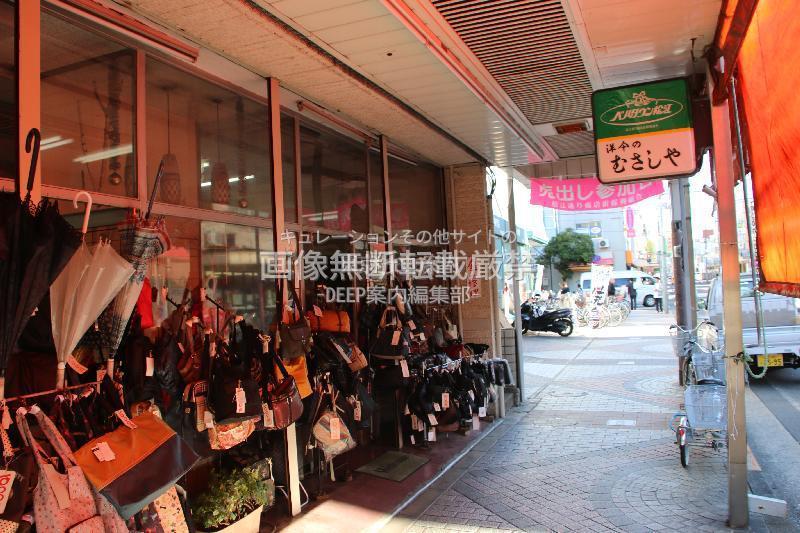 都内屈指の鉄道不毛地帯!トロリーバスが走っていた街、江戸川区「松江通り商店街」の取り残されレトロ具合が凄い